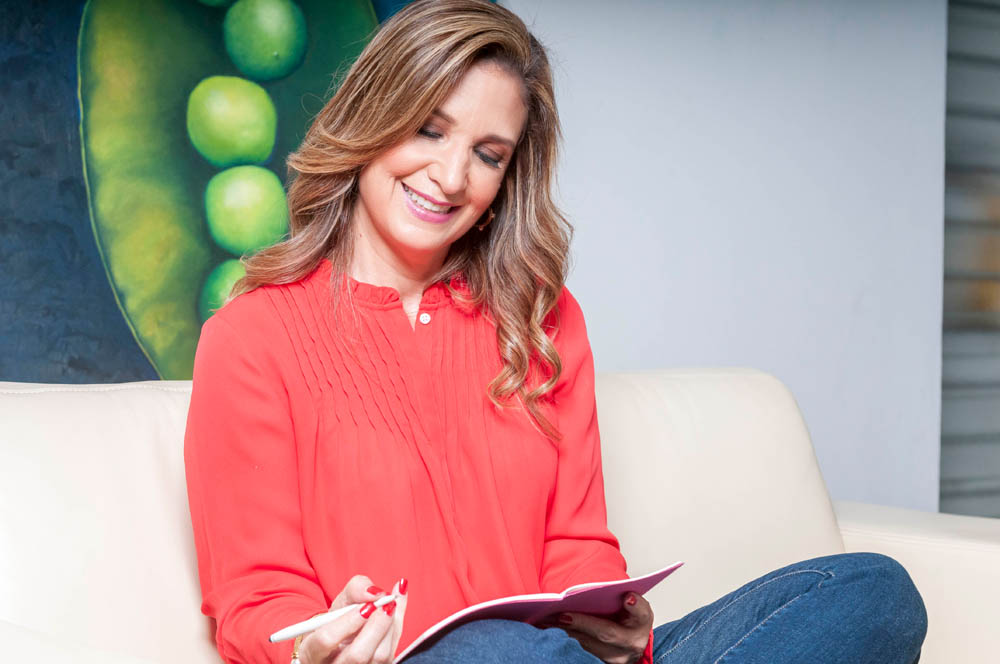 Claudia Flores, Your Personal Growth Coach